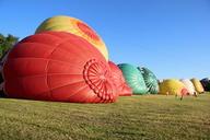 Páteční večerní start balónů se povedl
