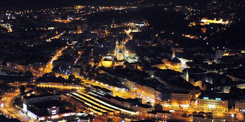 Noční lety přes Brno